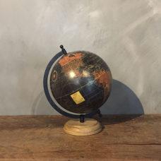 Wereldbol Zwart 20x22x29cm