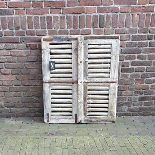 Uniek houten luik